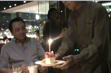 complimentary-birthday-dessert-from-mezza9-oct-13-2011.jpg